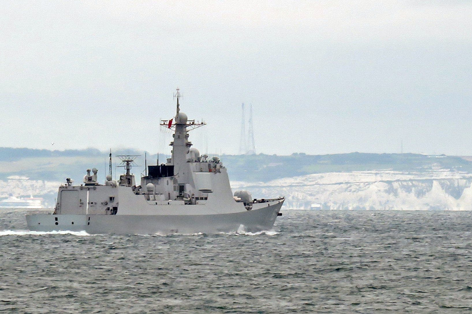 British Frigate shadows Chinese destroyer in English Channel