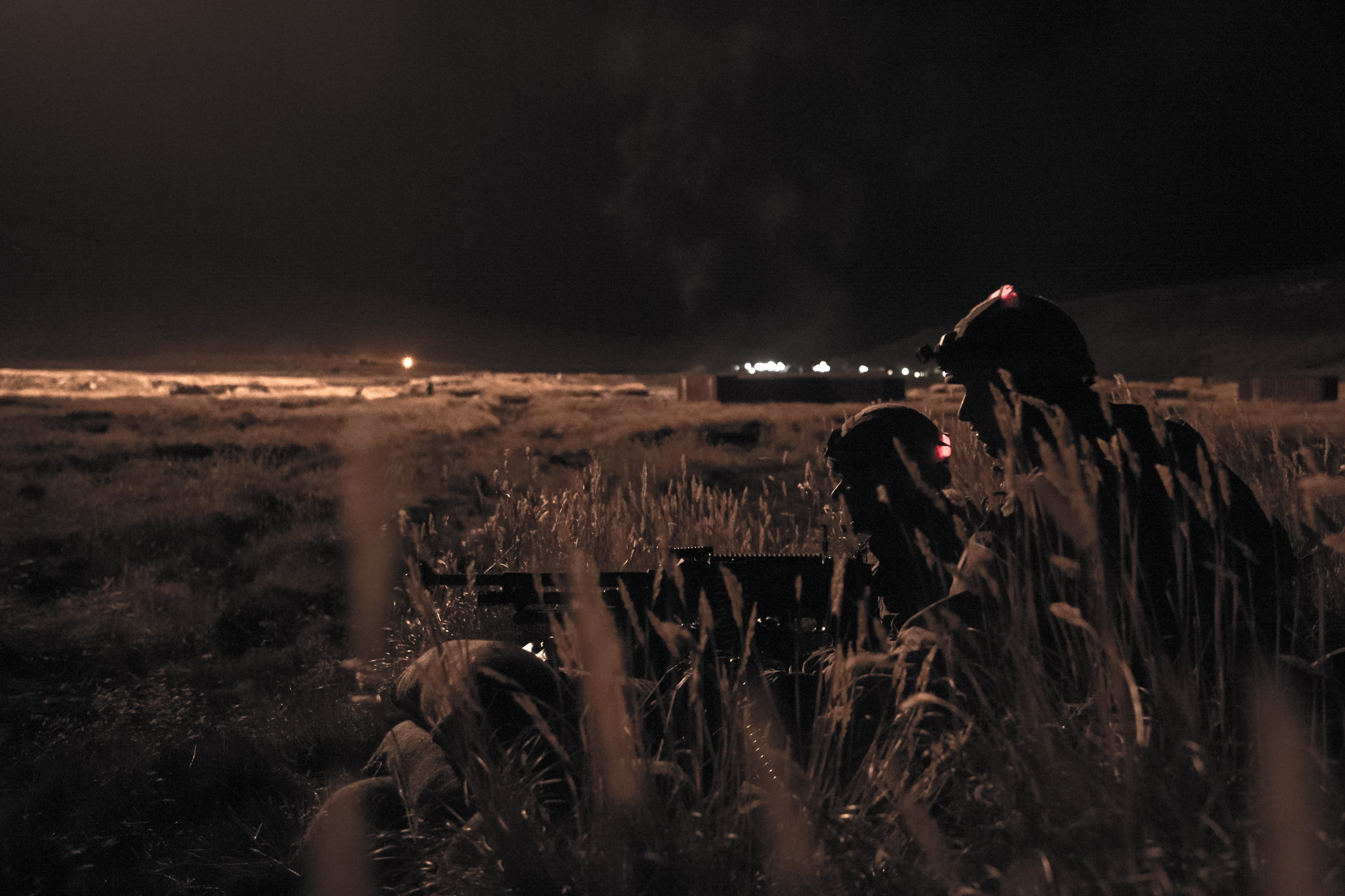 4 Scots conduct night time training on the Falkland Islands