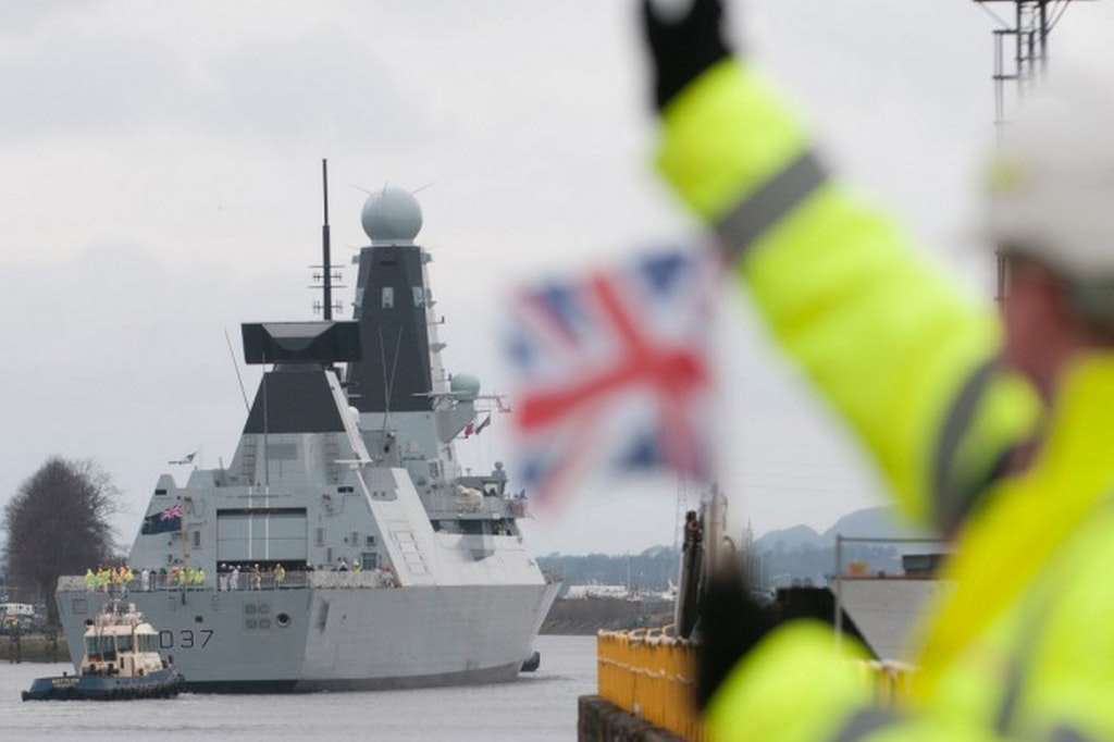 HMS Duncan is launched on the Clyde