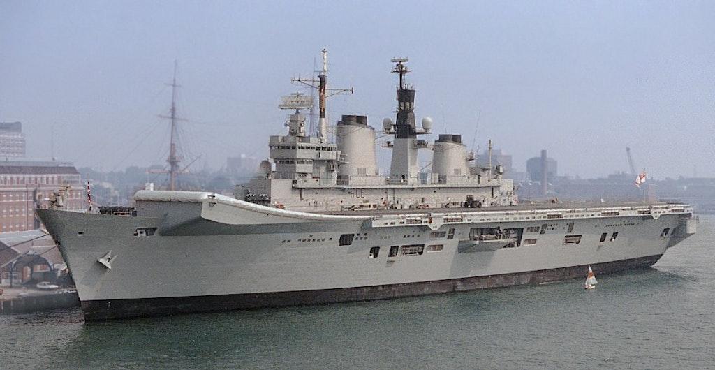 HMS_Illustrious_1