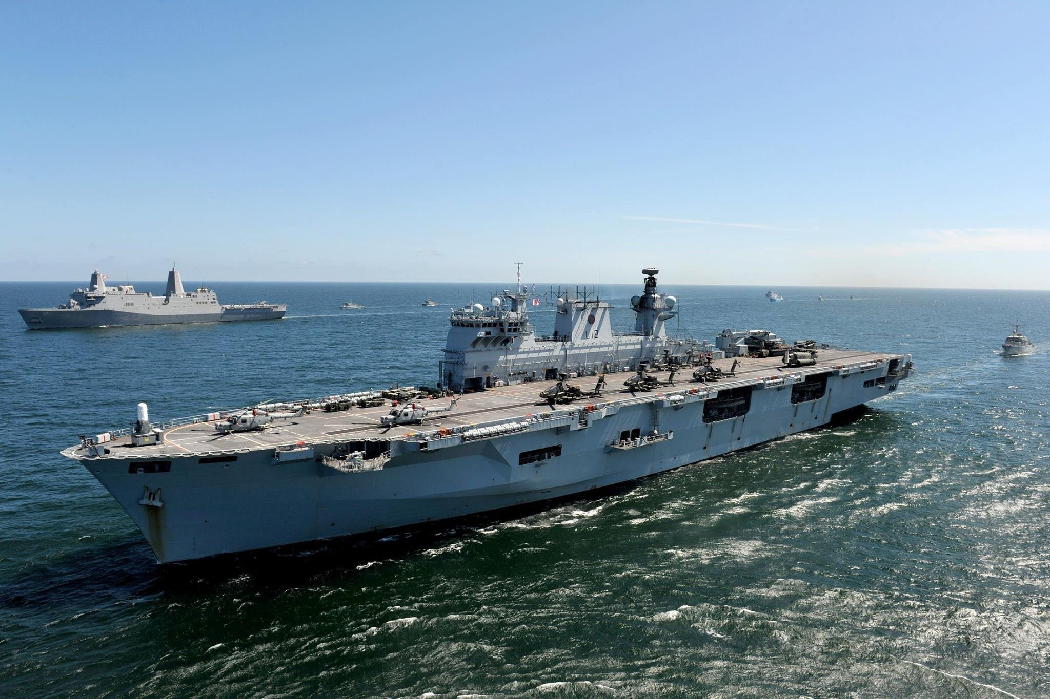 American assault ship USS San Antonio sails alongside HMS Ocean.  LA(Phot) Luron Wright.