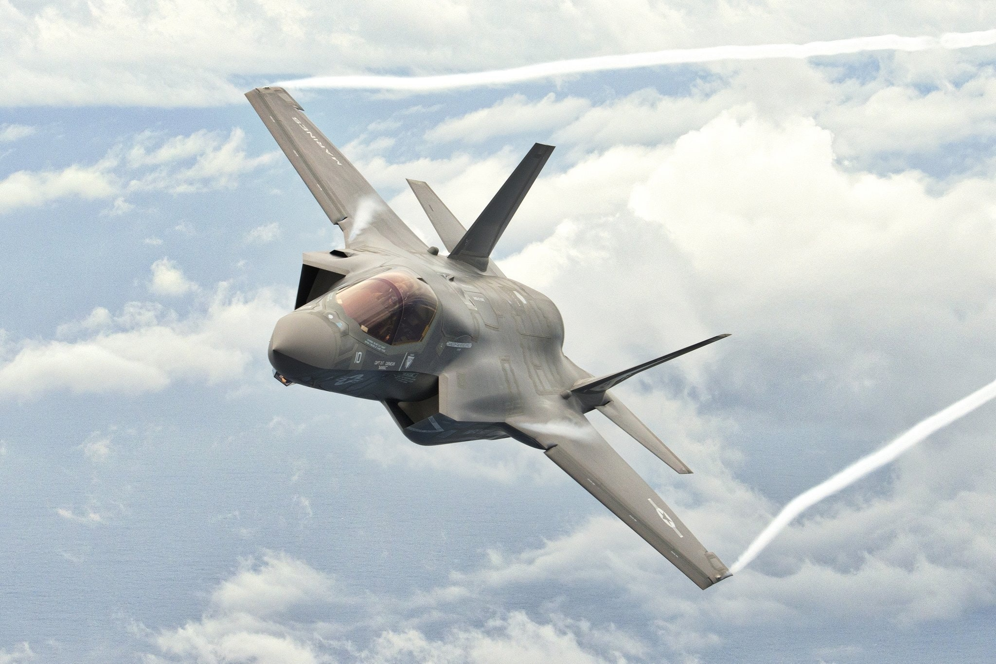 67e79bf3d8e Japan eyes 100 more F-35s and introduction of aircraft carrier