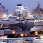 Construction_of_the_HMS_Queen_Elizabeth._MOD_45157307