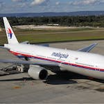 Malaysia_Airlines_Boeing_777-200ER_PER_Koch-2