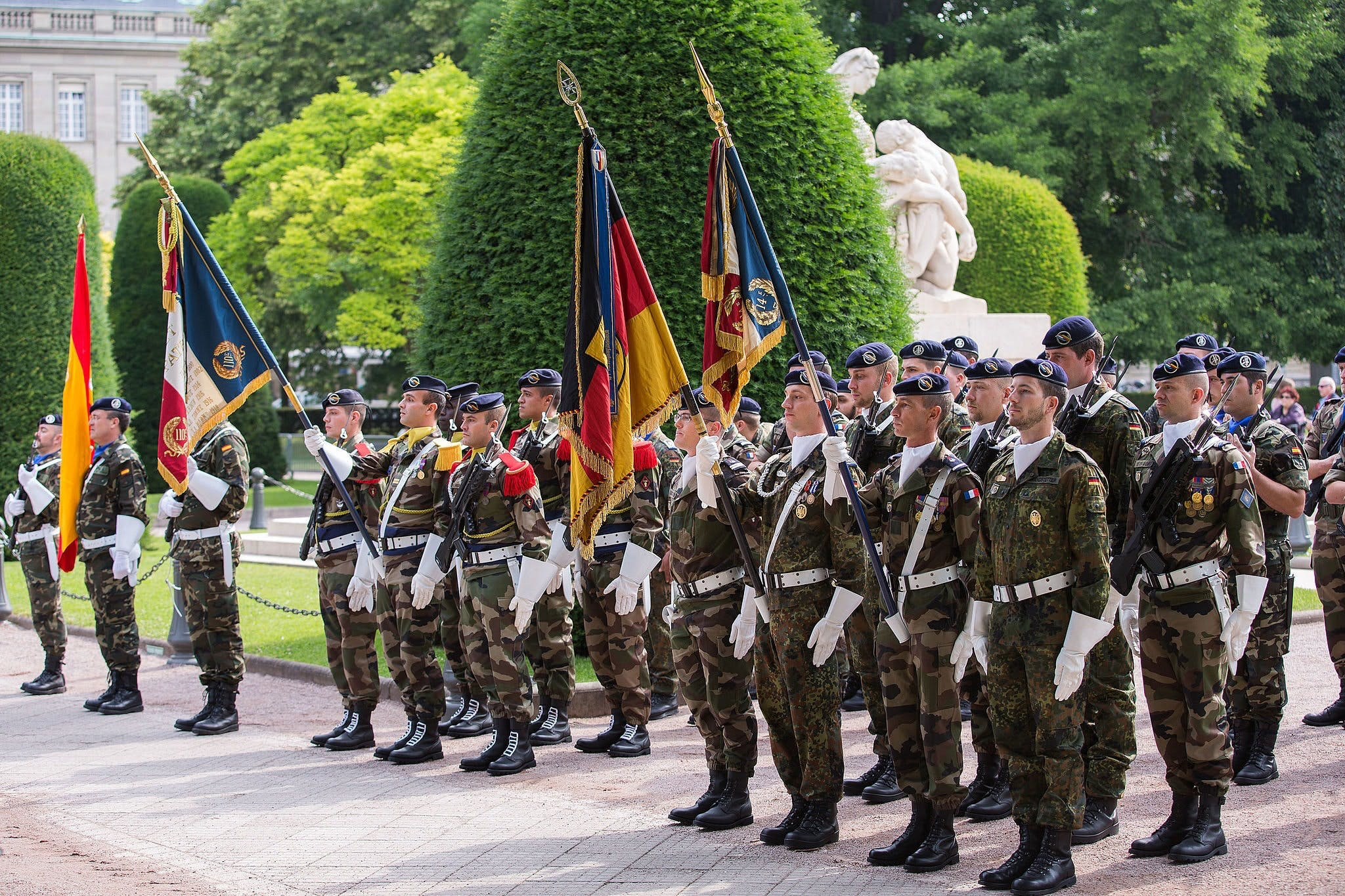Eurocorps soldiers in during a change of command ceremony in 2013. Claude Truong-Ngoc [CC BY-SA 3.0 (http://creativecommons.org/licenses/by-sa/3.0)], via Wikimedia Commons.