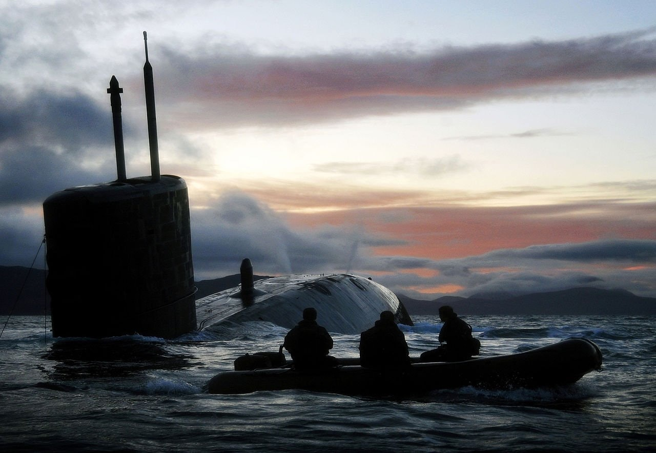 "Картинки по запросу HMS ""Talent""(Trafalgar class)"