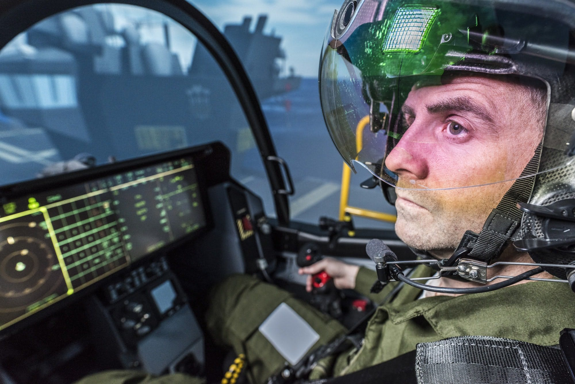 Royal Navy pilot hails 'unique simulator' supporting first