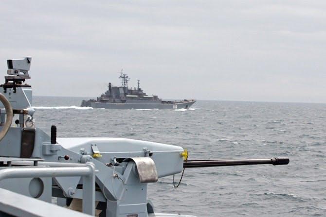 160908-echo-escorts-russian-ships-1