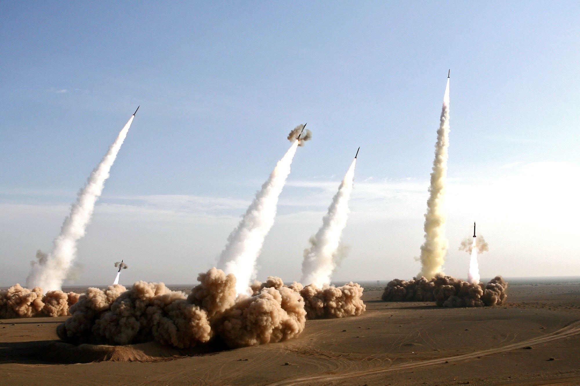 Iran đẩy Trump đến bờ vực thẳm: TT Mỹ đã cưỡi lên lưng cọp không thể tụt xuống? - Ảnh 5.