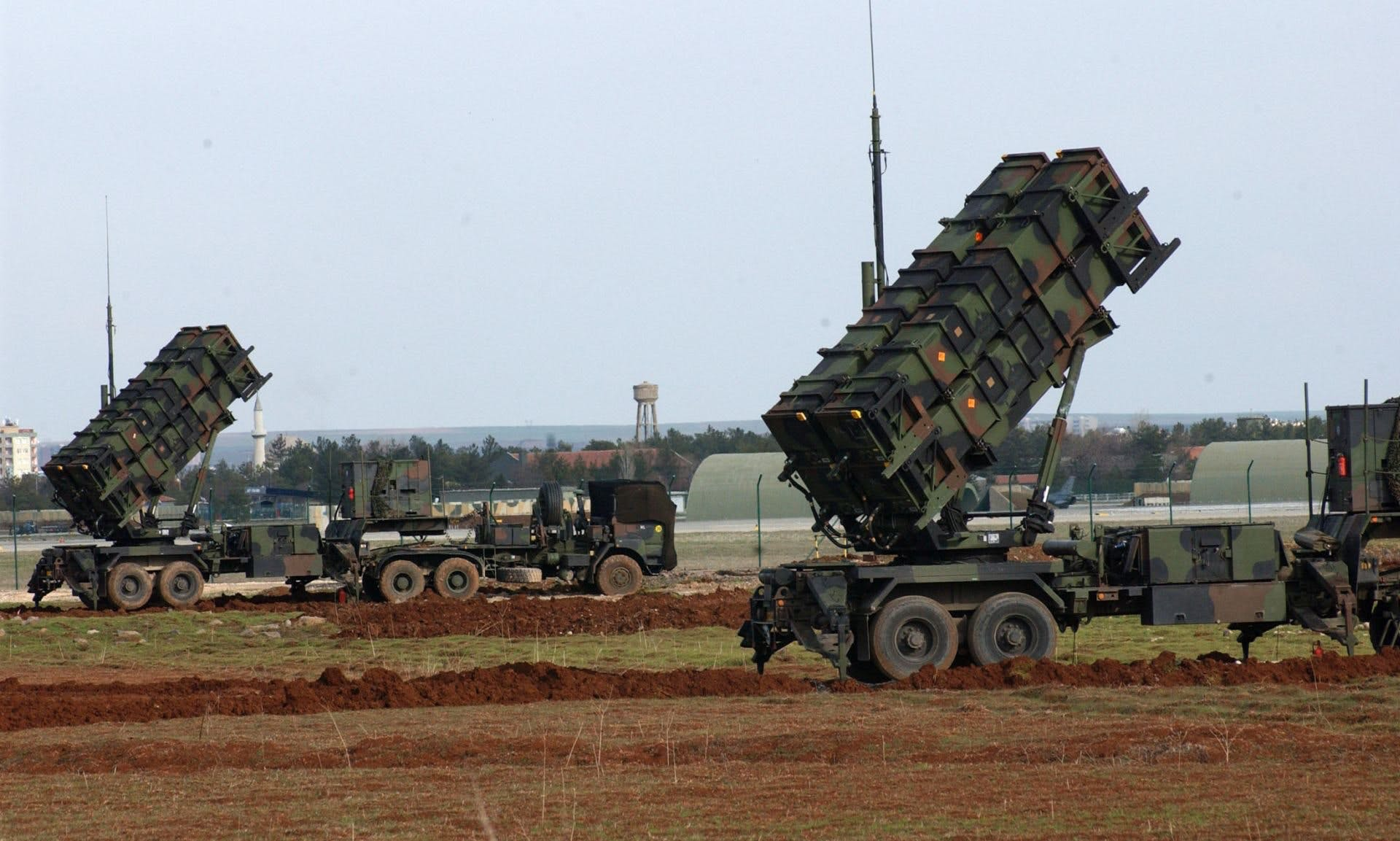 Bahrain signs deal to buy Patriot missile system